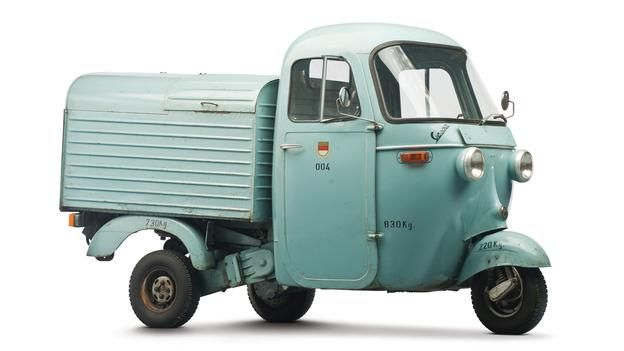 BBC - Autos - Selling the world's largest microcar collection