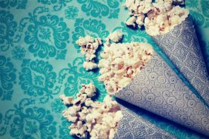 HOW TO DISCUSS A MOVIE WITH YOUR KIDS - Think about the last time you watched a movie with your kids. What was your conversation like after the credits rolled? Did experiencing cinema together change you in any way? Did it change your kids?