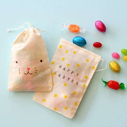 cute way to decorate muslin bags for Easter