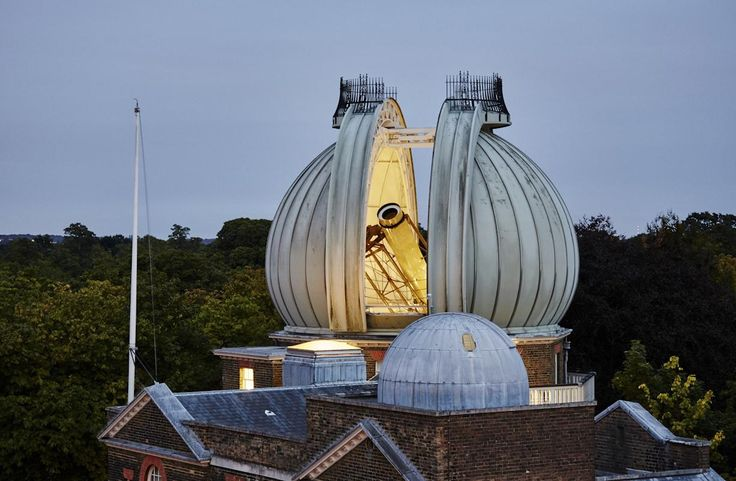 Visit the Royal Observatory Greenwich to stand on the historic Prime Meridian of the World, see the home of Greenwich Mean Time (GMT), and explore your place in the universe at London's only planetarium.