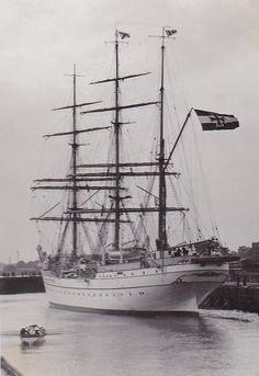 Gorch Fock in der Seeschleuse Wilhelmshaven (1934)