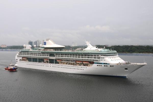 Royal Caribbean, profit record în T1. Motivul? Pasagerii au cheltuit mai mult pe băutură şi tratamente la SPA