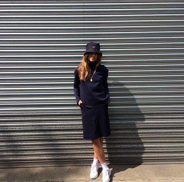 Ladies in Streetwear: Veneda Anastasia Budny wearing all black and white / buckethat