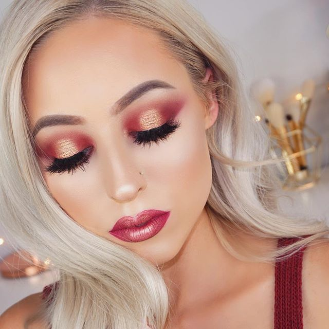 Have you guys watched my Valentine's Day tutorial I uploaded to YouTube today? There's a direct link in my Instagram bio. I've got a few more Valentine's Day looks coming this week and next as well!  Roses are red Violets are blue If you think this is too much makeup Then I'm not the valentine for you ----------------------------------------------------------- PRODUCTS: Lashes: ✨ @nubounsom Bella 3D Lashes - kaseyrayton for 20% off Eyes: ✨ @tartecosmetics Pro Palette Brows: ✨…