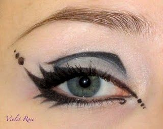 Gothic make up eye: Gothic Violet, Face, Costume Eyes, Gothic Makeup, Gothic Eye Makeup, Eye Make Up