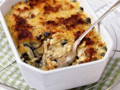 Vegetariskt recept på Janssons frestelse med kapris och oliver. En snabblagad vegetarisk Janssons frestelse där potatisen kokas i mjölk för att sedan gratineras i ugn.