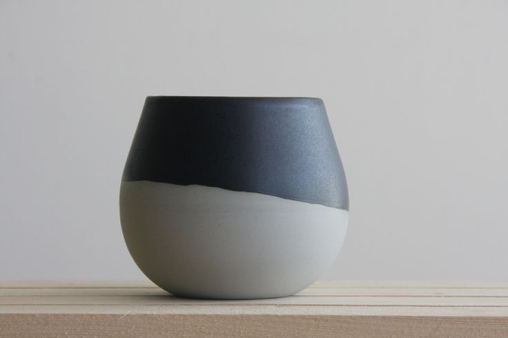 THELMA - Ceramic bowl in gray with black matte glaze – ONE and MANY