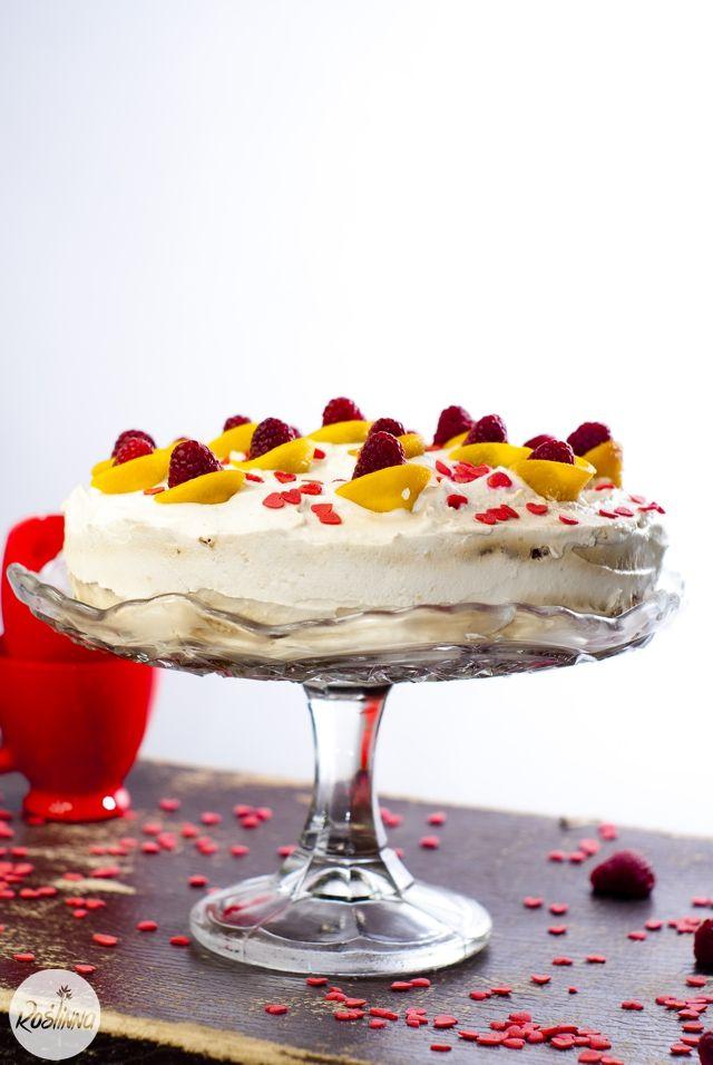 Roślinna : Najprostszy przepis na wegański tort urodzinowy