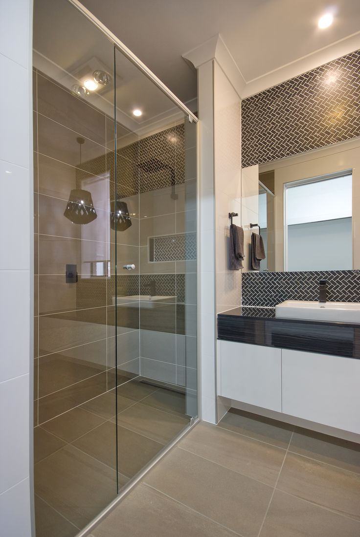 Bath and ensuite A rossdale homes display home design at blakes crossing, a South Australian new home builder.