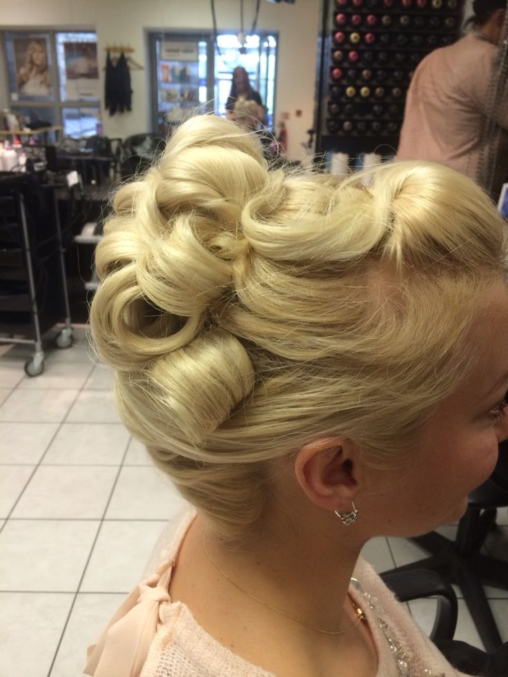Blonde hair up do vintage inspired