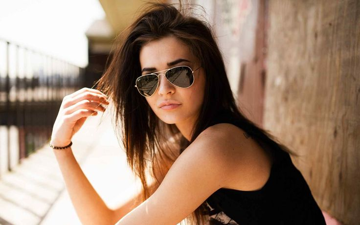 Frames that excite you, beautiful frames, comfortable frames, strong frames. Lenses that protect you, sharpen your vision, relax your eyes, protect your eyes. Styling that compliments your face, your look, your passion, and motivates you.