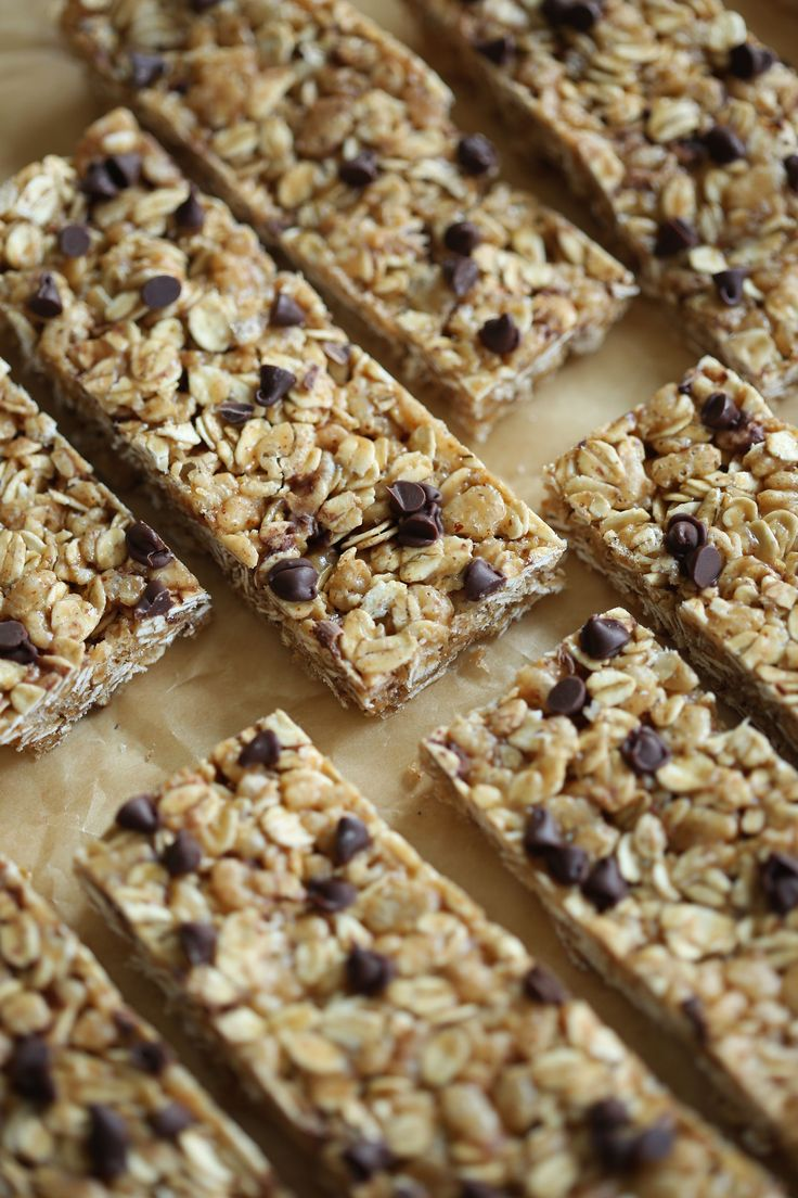These NO BAKE Almond Butter Granola Bars are healthy, delicious and can easily be made in just 15 minutes! Perfect recipe to grab on-the-go for breakfast in the mornings too!