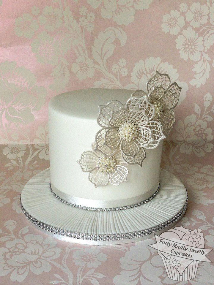 Cake Decorating Sugar Lace : 783 best images about Sugar Lace cake on Pinterest Sugar flowers, Vintage lace weddings and Lace