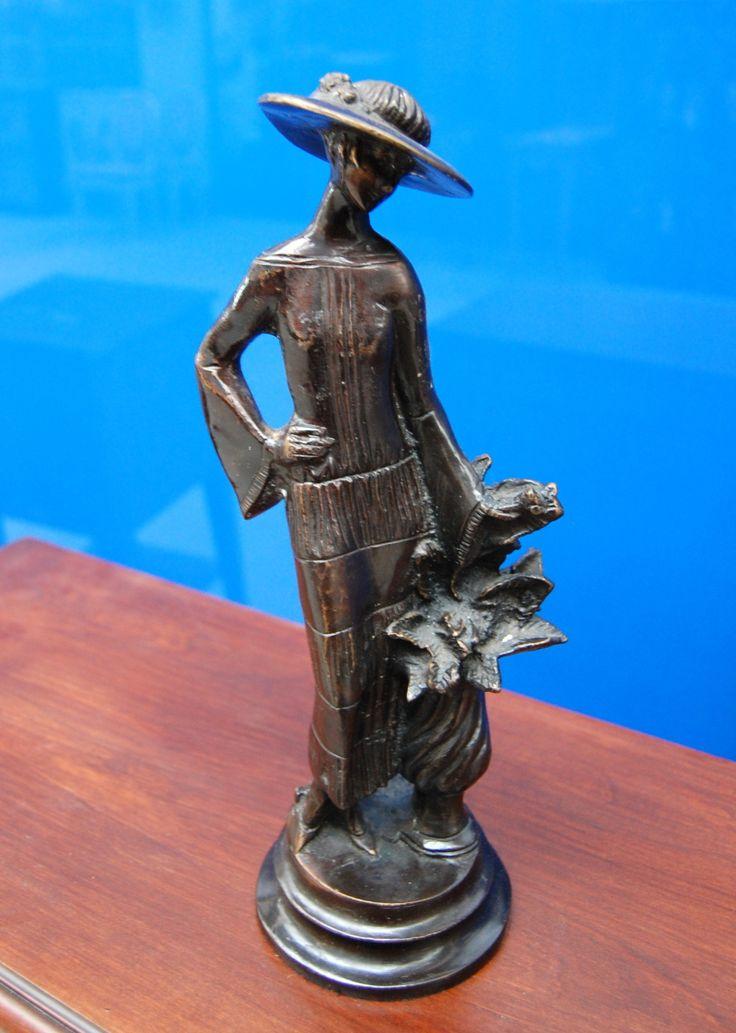 Bronzo liberty con damina e fiori alto 34 cm primo '900