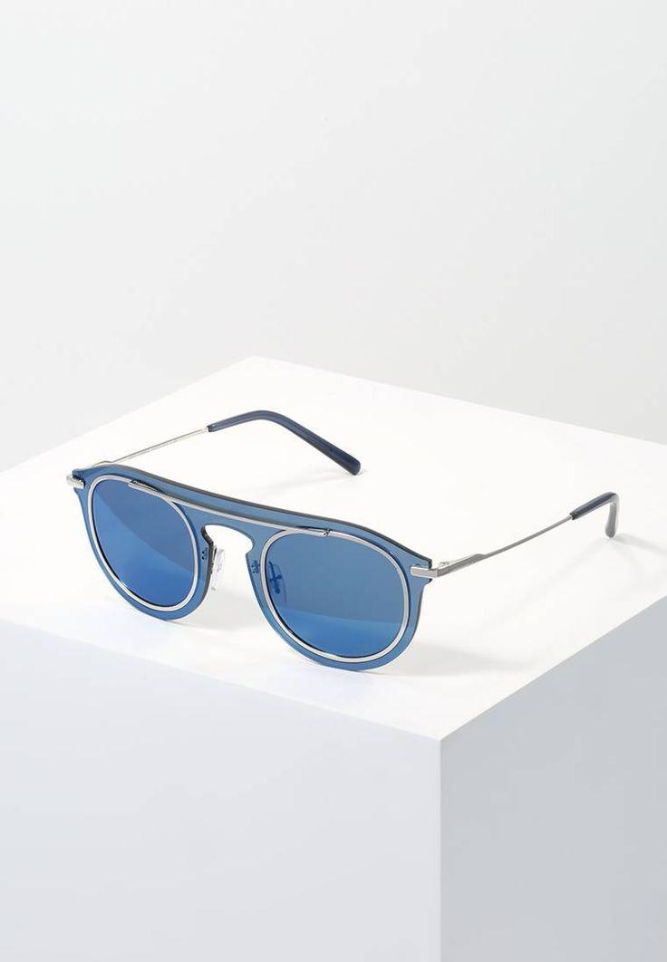 Dolce&Gabbana. Sonnenbrille - blue. Breite:14.3 cm bei Größe 48. Bügellänge:14 cm bei Größe 48. Stegbreite:1.5 cm bei Größe 48. UV-Schutz:ja. Brillenform:oval. Brillenetui:Hartschale