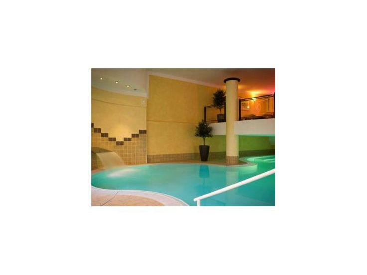 Entspannung pur bietet der Wellnessurlaub. Erleben sie verschiedene Bäder, Massagen und Anwendungen. http://www.verwoehnwochenende.de/kurzreise-angebote___seite_suche_angebote.html