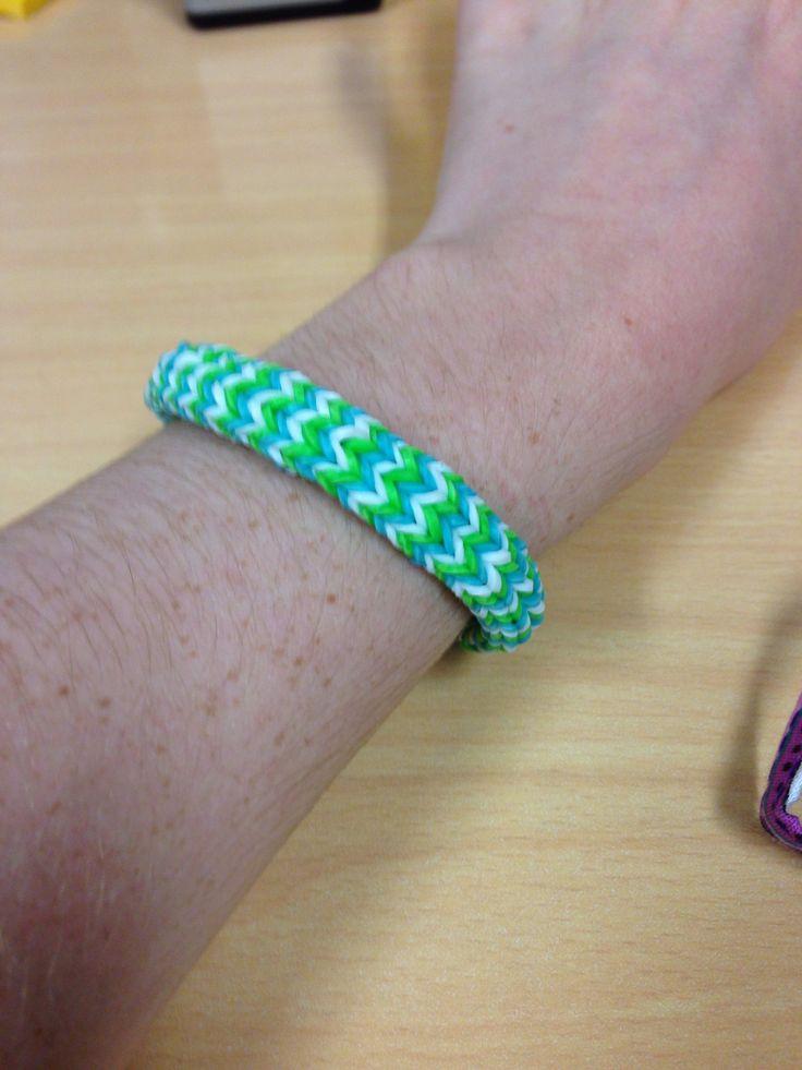 Hexa-fishtail rubber band bracelet