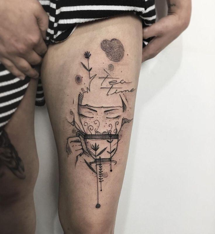 Encontre o tatuador e a inspiração perfeita para fazer sua tattoo. | Tatuagem, Inspiração para tatuagem, Tatuagem na coxa