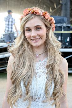 Clare Bowen is Scarlett O'Connor on Nashville