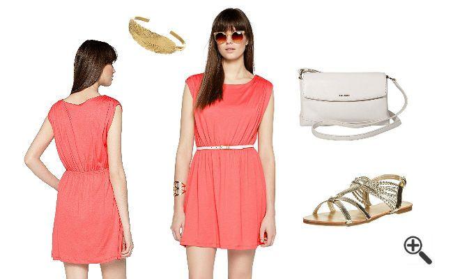 So hatNatali schöne Sommer Outfits sofort gefunden http://www.fancybeast.de/kleid-koralle-kombinieren-schoene-sommer-outfits/ #Koralle #Kleid #Kleider #Dresses #Dress #Sommeroutfit #Sommer Schöne Sommer Outfits Kleid Koralle Kombinieren