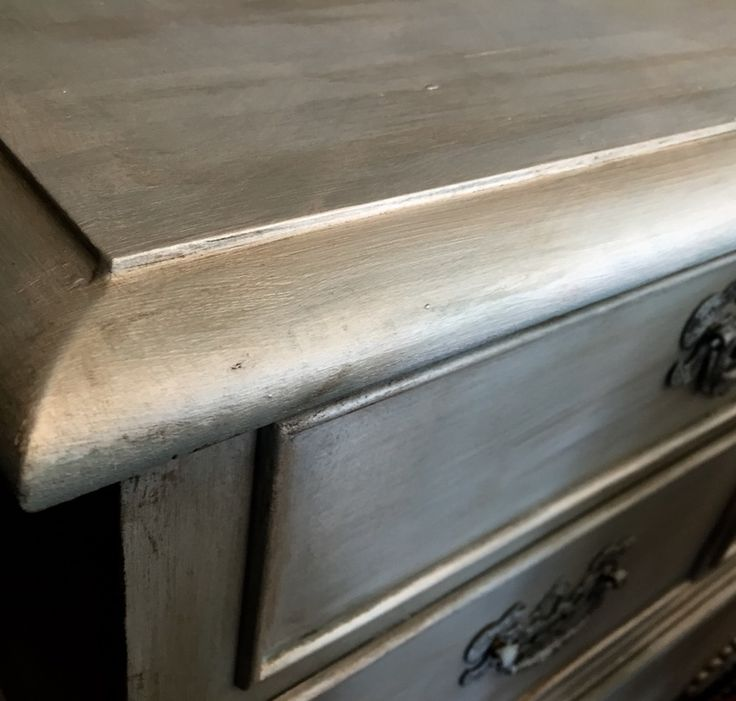 pearl plaster is an opalescent topcoat used over chalk paint® decorative paint by annie sloan. it is one of the finishes we most often get asked about in the shop...probably because metallics are...