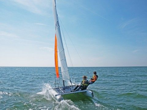 Club Mifune bloemendaal aan zee ( Zandvoort) catamaran zeilen leren  Club Mifune
