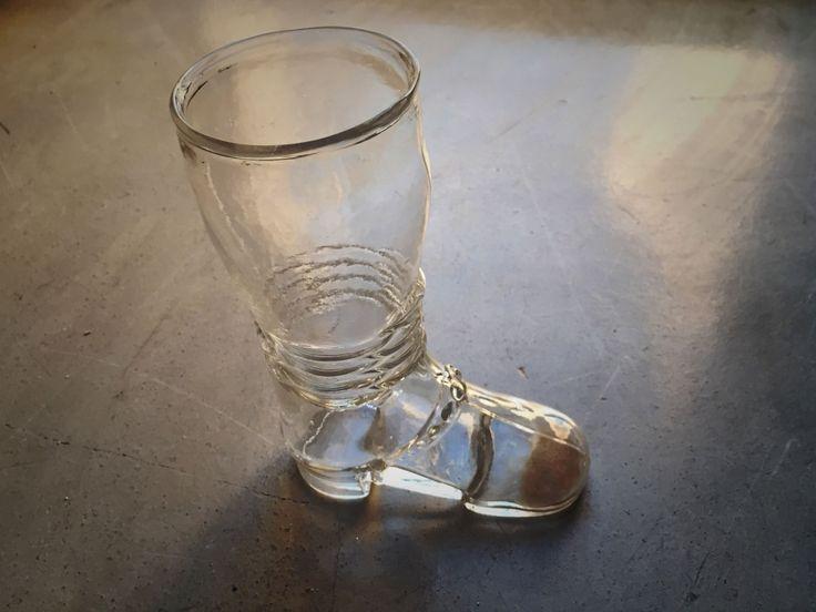 da collezione: vaso in vetro in forma di stivale di EclecticAtmosphere su Etsy