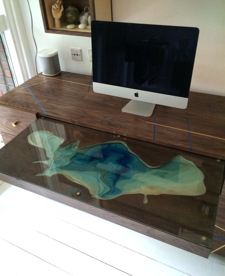 Lacanau Lake Desk by Rob Sykes & Tom Foottit www.robsykesdesign.com www.tomfootitdesign.com #desk #modernfurniture