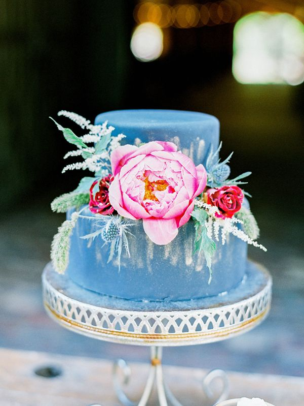 dark wedding cake, photo by Ashley Slater Photography http://ruffledblog.com/a-southern-winter-wedding-with-jewel-tones #weddingcake #cakes