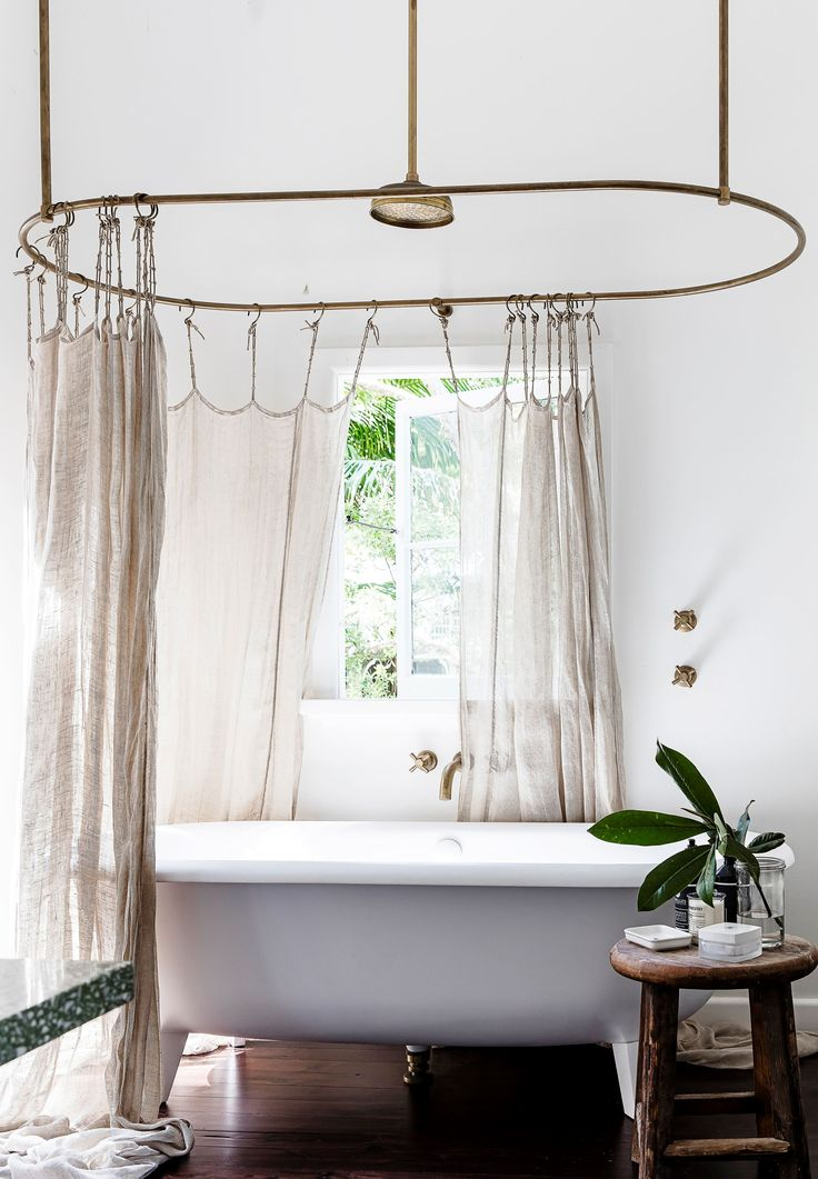 Bathroom from an eclectic beach shack overlooking Pittwater on Sydney's Northern Beaches. Photography: Maree Homer
