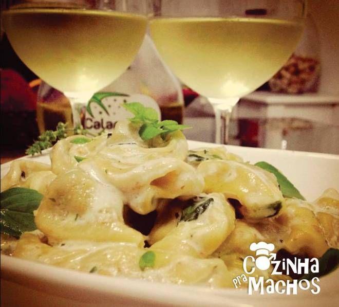 CAPELETTI FRANGO AO MINI PESTO  http://cozinhapramachos.wordpress.com/2013/07/03/capeletti-frango-ao-mini-pesto/  #pesto #rango #food #cozinha #culinária #comida #comida