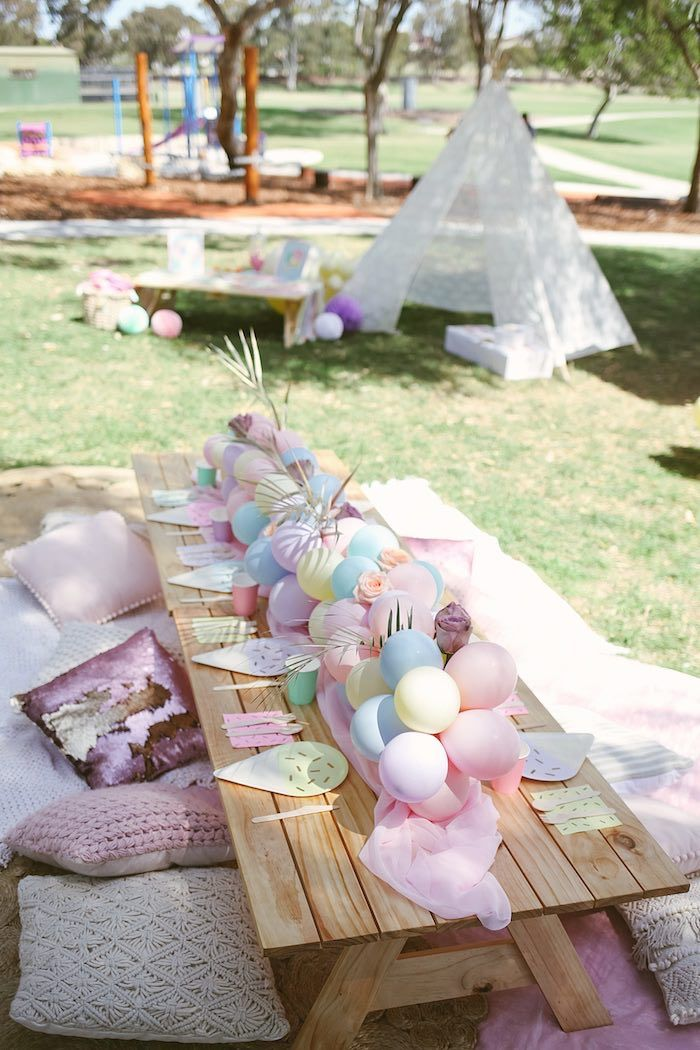 Pastel Picnic Party Table From A Pastel Sweet 2nd Birthday Party On Kara S Party Ideas Karas Kids Party Tables Picnic Birthday Party Spongebob Birthday Party