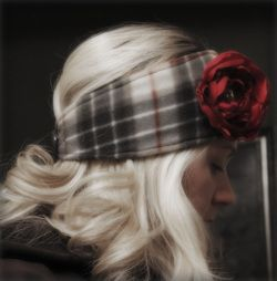 Make your own flapper headband/ear warmers. Super cute and easy. #fleece #sewing #tutorial