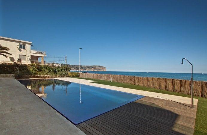 Piscina lamina de agua buscar con google piscinas for Alberca 8 x 5