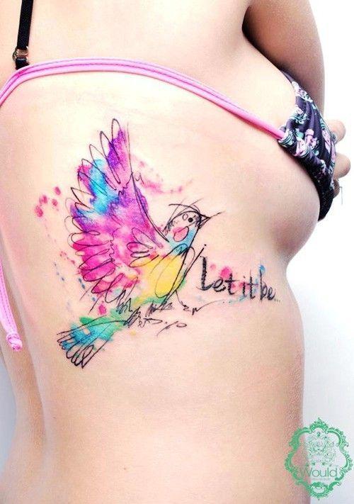 Tatuagem Feminina na Costela | Pássaro em Aquarela