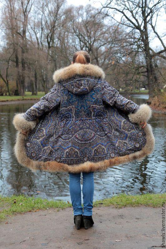 """Пальто из платка """"Ларец самоцветный"""""""