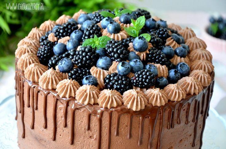 Czekoladowy tort z jeżynami / Chocolate blackberries cake