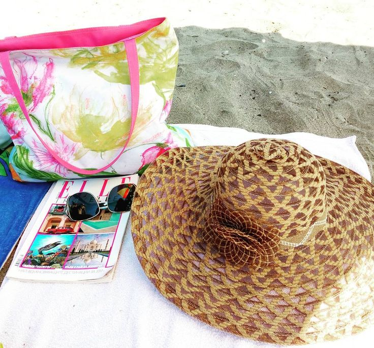 nice #morning #beach #morningbeach #sea #sun #sunshine #sunny #sunnyday #hot #hotday ...  #morning #beach #morningbeach #sea #sun #sunshine #sunny #sunnyday #hot #hotday #reading #magazine #elle #bag #beachbag #hat #beachhat #...