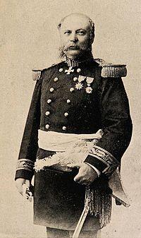 Arístides Martínez Cuadros. Estudió ingeniería en la Escuela Militar. Se incorporó al Ejército en el año 1864, con el grado de subteniente. Se destacan sus acciones en la constante lucha contra los indómitos mapuches. Participó en las campañas de la Guerra del Pacífico, siendo miembro del estado mayor y General de División del ejército de Reserva chileno durante la Campaña de Lima. Ascendió a general de brigada en 1897 y a general de división en 1899. Obtuvo su retiro absoluto en el año…