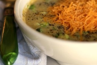 Easy cheesy broccoli soup | dinner time | Pinterest