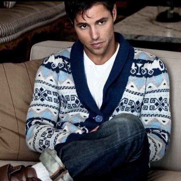 Sam Page #sampage #jersey #modelo http://www.pandabuzz.com/es/bombon-del-dia-hombre/sam-page-sofá-jersey
