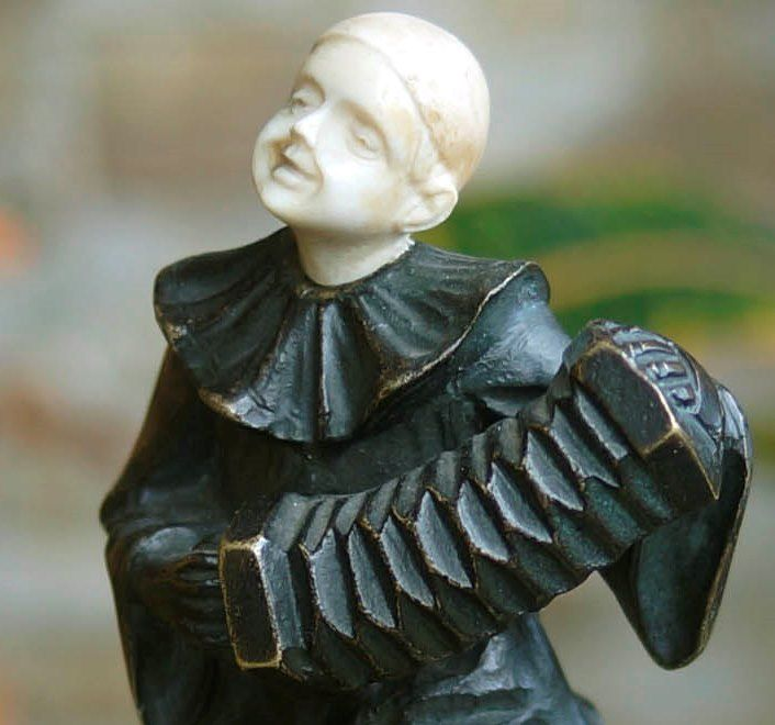 бронзовая скульптура раменская незнакомка фото