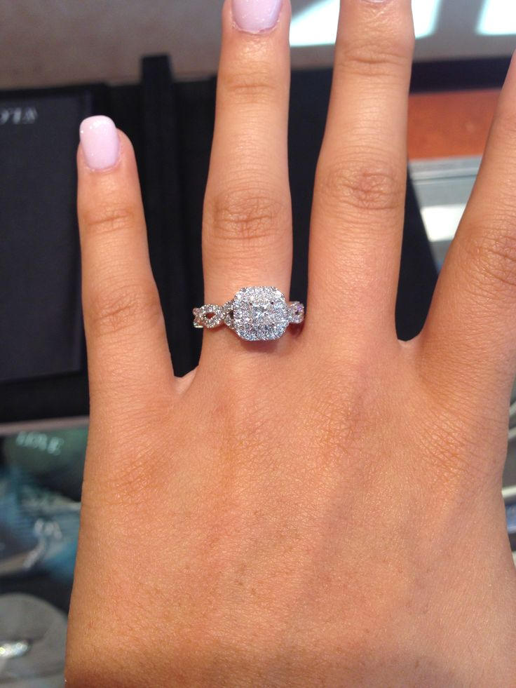 Vera Wang engagement ring from her Love collection. This is it!