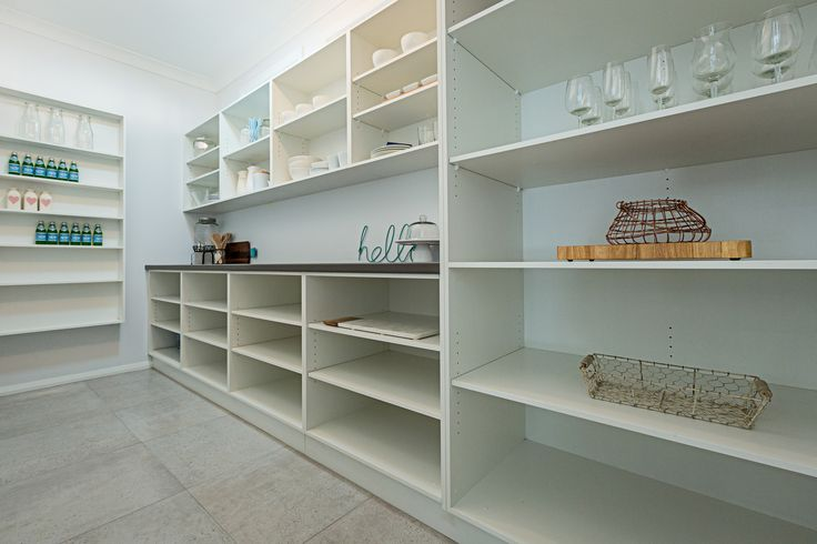 With plenty of storage space, your kitchen will never be messy again!