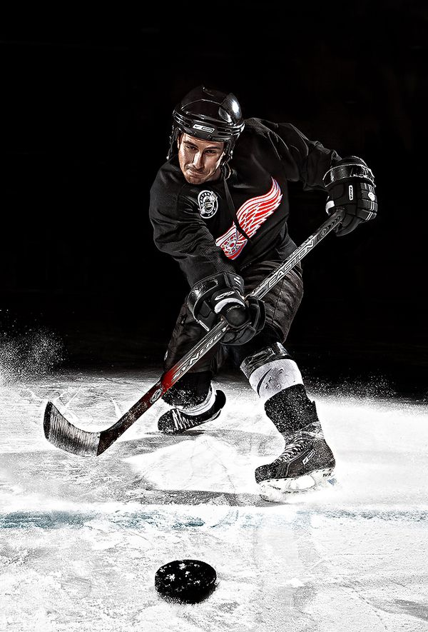 the main characteristics of ice hockey Canadian ice hockey team brought their ice hockey show to the united states for the first time in the year of 1893 in les wong of switzerland, the first european ice hockey club was set up in the year of 1902 the association of the international ice hockey was founded in 1908 in paris, iihf was its new.