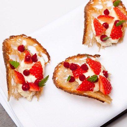 Alyn Williams' Sweet Eve Strawberry Cheesecake