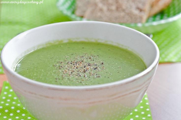 Everyday cooking: Zupa z zielonego groszku z pesto z bazylii