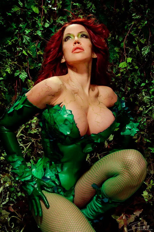 Cosplaybabes busty jessica rabbit face fucked 9