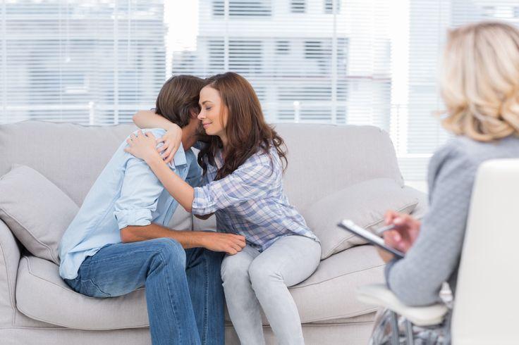 Evliliklerde ve ilişkilerde yaşanılan sıkıntıları profesyonel yardım alarak sorunların üstesinden gelebilir partnerinizle eskiye göre daha mutlu günler geçirebilirsiniz.
