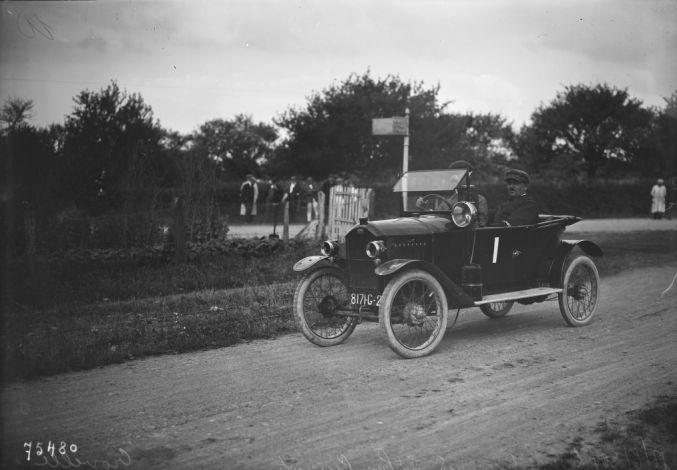 18-06-1922, La Ferté-Bernard, Grand prix Peugeot (du carburateur), Crovelle (i.e. Grouvelle)   Photographie de presse : Agence Rol